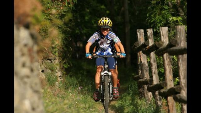 <strong>Special Offer:</strong> mountain bike aventura